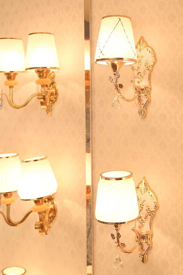 đèn tường trang trí